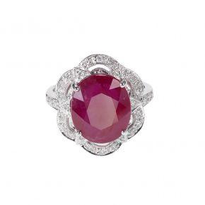 Une bague rubis et diamants