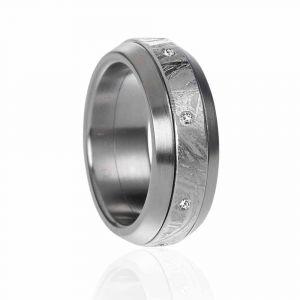 Meteorit Ring mit Diamanten und Stahl