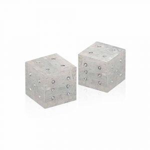 Zwei Würfel aus Meteorit mit Diamanten 0,60ct