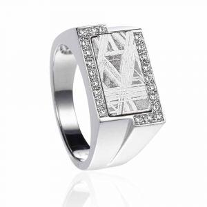 Siegelring aus Meteorit und Diamanten