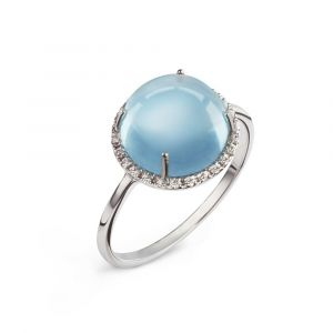 A blue topaz cabochon and diamonds ring