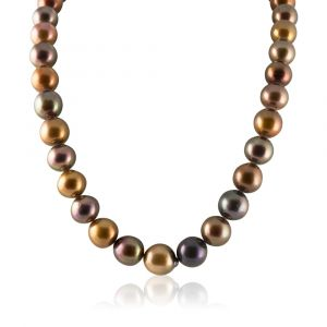 Black Tahitian pearl necklace chocolate color