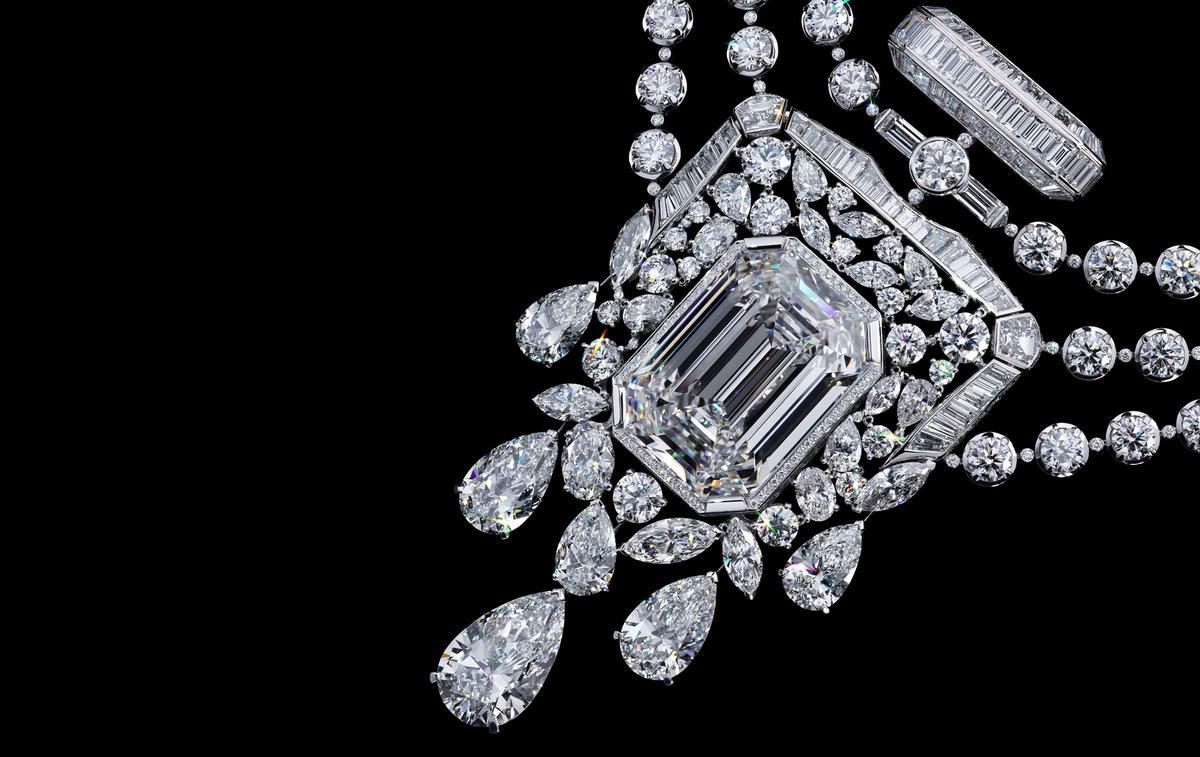 Chanel dévoile un diamant unique de 55.55 carats pour les 100 ans de son parfum N°5